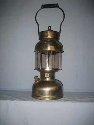 Jerry's Coleman Collection -- Coleman Lanterns I